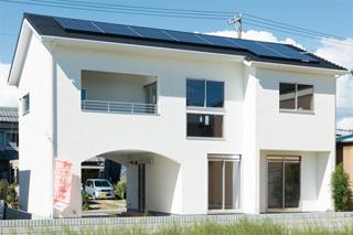 ヨーロッパ漆喰のかわいいエコハウス【志賀工務店】