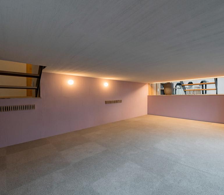 半地下の趣味室